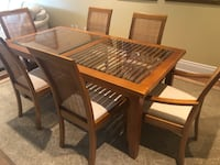 Dining room table and 6 chairs Toronto, M5M 1M6