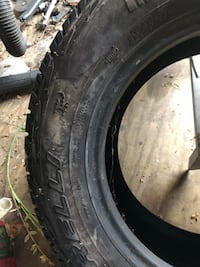 tires- P205 89 R16 - pirelli Mc Lean