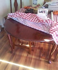Cherry wooden  legged table Hubbard, 44425