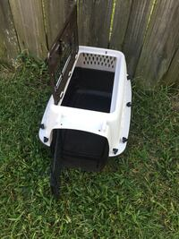 Plastic pet carrier 2 door small size  Fayetteville, 28306