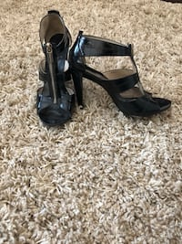 Micheal Kors heels very comfortable in good condition  Surrey, V3X 0B3