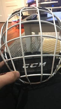 White CCM cage 9/10 condition  Brampton, L6W 1E5