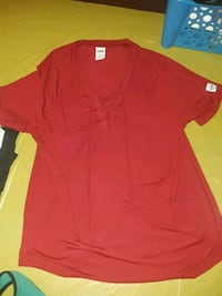 red v-neck shirt Pataskala, 43073