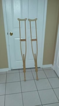Crutches clean. Whitchurch-Stouffville, L4A 1K9