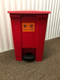 Rubbermaid 12 Gallon Step-On Medical Waste Containers Model: 6144 Red Odenton, 21113