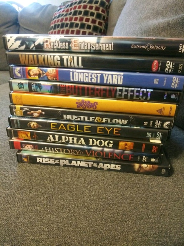 assorted DVD movie case lot 2984b10d-1f87-439c-bf0e-bc4eb26a795a
