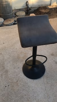 black leather padded rolling chair Poway, 92064