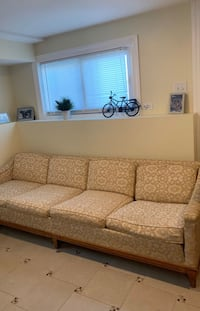 4 seater mid century style couch Hometown, 60456