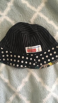 1d9bd066669 Used Supreme x Comme des Garcons Reversible Bucket Hat S M. Offer up ...