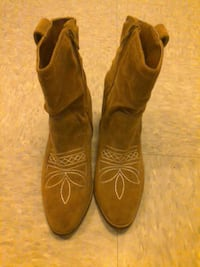 Hollister cowgirl boots new Bangor, 04401