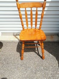 8 Solid Oak Windsor Chairs Montreal, H8N