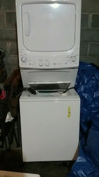 white front-load clothes dryer 121 mi