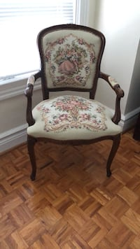 Embroidered fabric. Romeo and Juliet design. Antique chair (1). Good condition. Vaughan, L4H 0W3