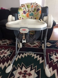 Baby's white and gray chicco highchair Surrey, V3W 0M7