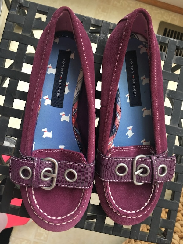 Girls size 1 suede plum Tommy Hilfiger shoes