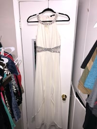 Long Dress with brilliant stones Size M. Off white. 1365 mi