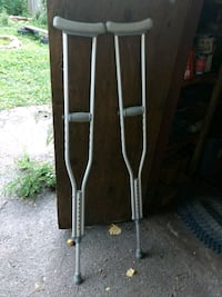 Adjustable crutches Knoxville, 37917