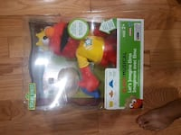 Elmo musical toy Vaughan, L6A 3M6