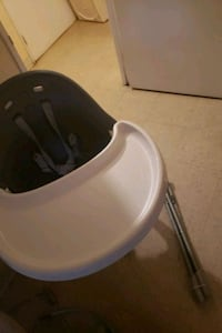 toddler high chair  Oshawa, L1H 1X8