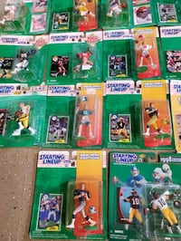 Lot of 28 starting lineup action figures