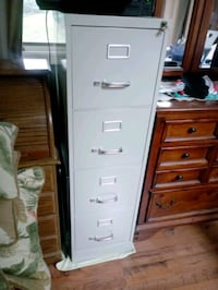 4 drawer filing cabinet Airville, 17302