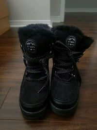 Winter boots  Mississauga, L4Z 1Y5