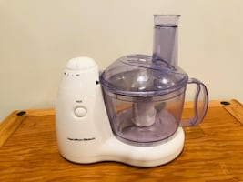 Hamilton Beach Food Processor (and other kitchen items available)