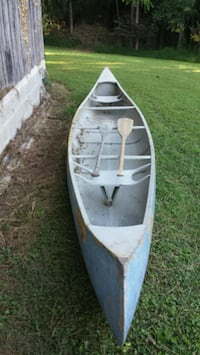 17ft canoe with paddles Hydes, 21082