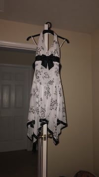 white and black floral spaghetti strap dress Mechanicsville, 20659