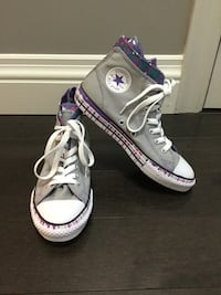EUC Youth Girl's Grey and Purple Star Converse High Tops