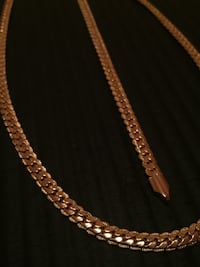gold chain link necklace with lobster lock Mississauga, L5V 2Z6