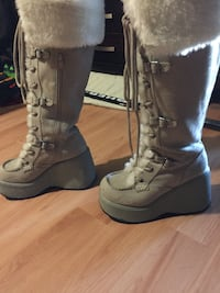 Pair of brown leather combat boots 1960 km