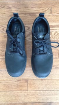 Sketchers relaxed fit memory foam black shoes - barely worn