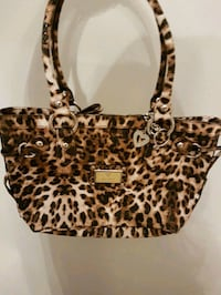 Brand New Guess Purse  Mississauga, L5M 4Z5
