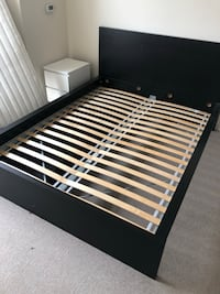 Queen size bed frame  Cambridge, 02141