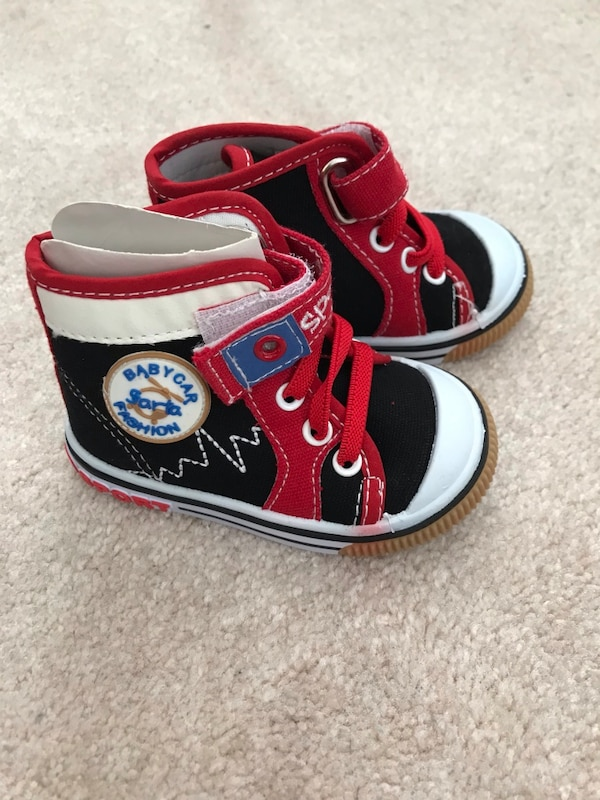 Brand new baby shoes size 3