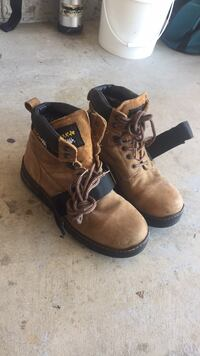 pair of brown Timberland work boots South Elgin, 60177