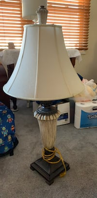 white and blue table lamp Springfield, 22153