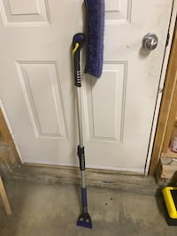 Snow brush- extendable, rotate-table brush head  Calgary, T2M 4H9