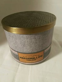 Marshallow Fireside Scented Candle Apple Valley