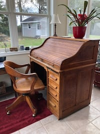 Vintage roll top desk and chair Adamstown, 21710