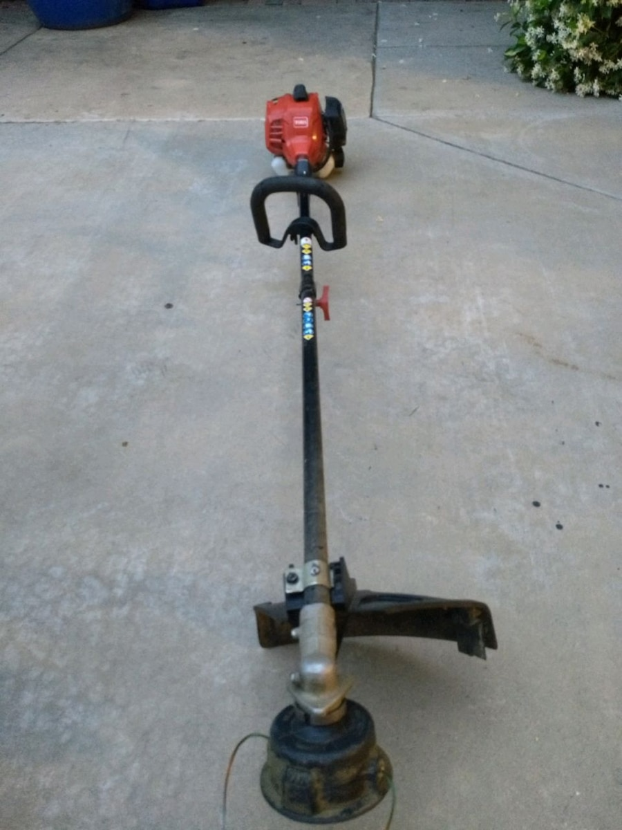 Photo Toro Gas Trimmer/weed wacker/weed eater