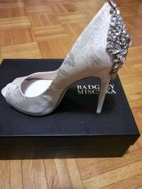 Sz 9 Badgley Mischka new Toronto, M6C 3R9