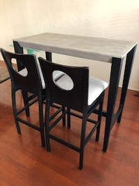Rectangular wooden table with two chairs dining set San Diego, 92104