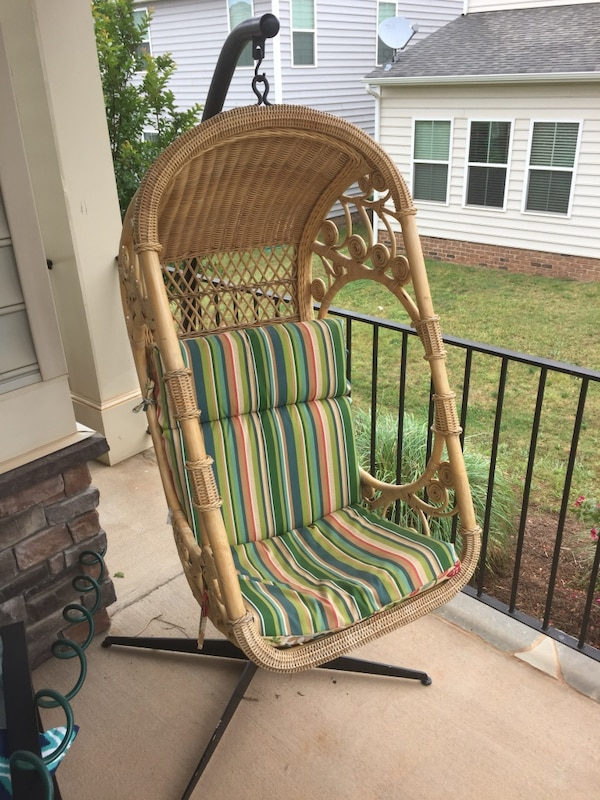 Rare Style Hanging Indoor Or Outdoor Egg Chair Comes With Floor Stand But Can