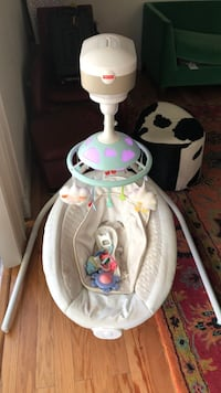 Fisher Price Baby swing. Tampa, 33624