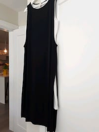 Black and white ladies dress. size 10 Maple Ridge, V2X 6B9