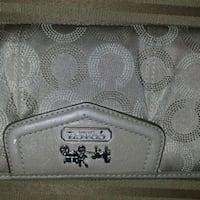 Excellent condition Coach large wallet  Richmond