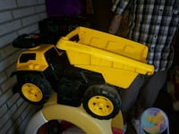 yellow and black dump truck toy Beauharnois, J6N 2V5