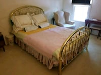 queen size brass bed Silver Spring, 20904